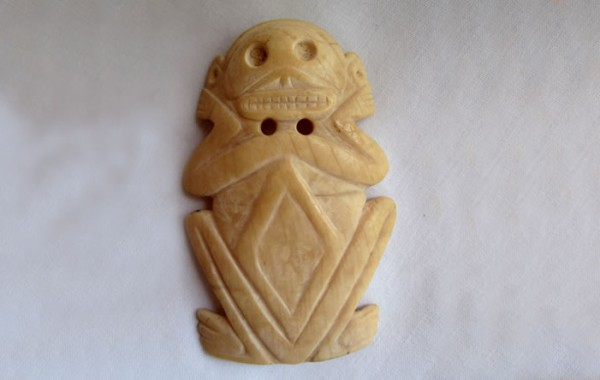 Frog pendent